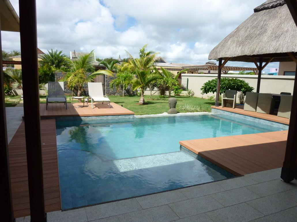 Echange villa avec piscine l 39 le maurice contre maison for Salon de piscine